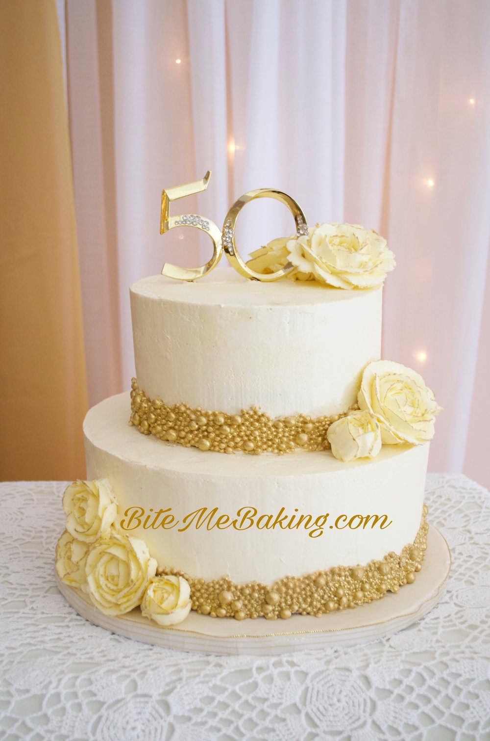 White and Gold Buttercream Cake