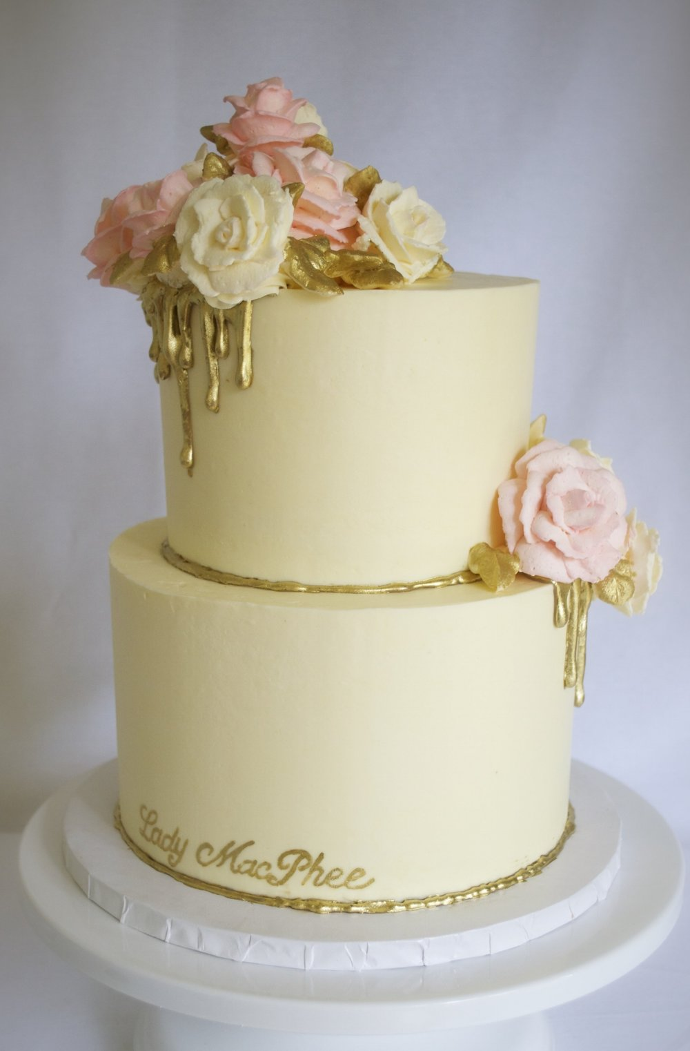 Buttercream roses with gold drip
