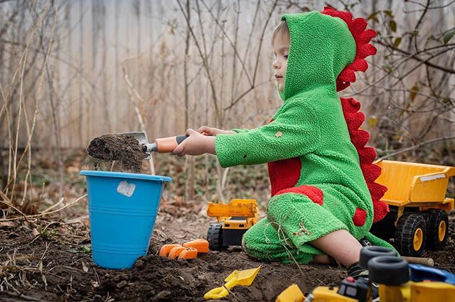 Someday, millions of years from now, archeologists will discover remains of a primitive civilization  and conclude they had a strange practice of cultivating the earth wearing green costumes. #documentyourdays #documentaryfamilyphotography #thedocumentarymovement #dayinthelifephotography #dfpcommunity #shamoftheperfect  #cedarrapidsphotography #cedarrapidsphotographer #documentaryfamilyawards #runwildmychild #archeology