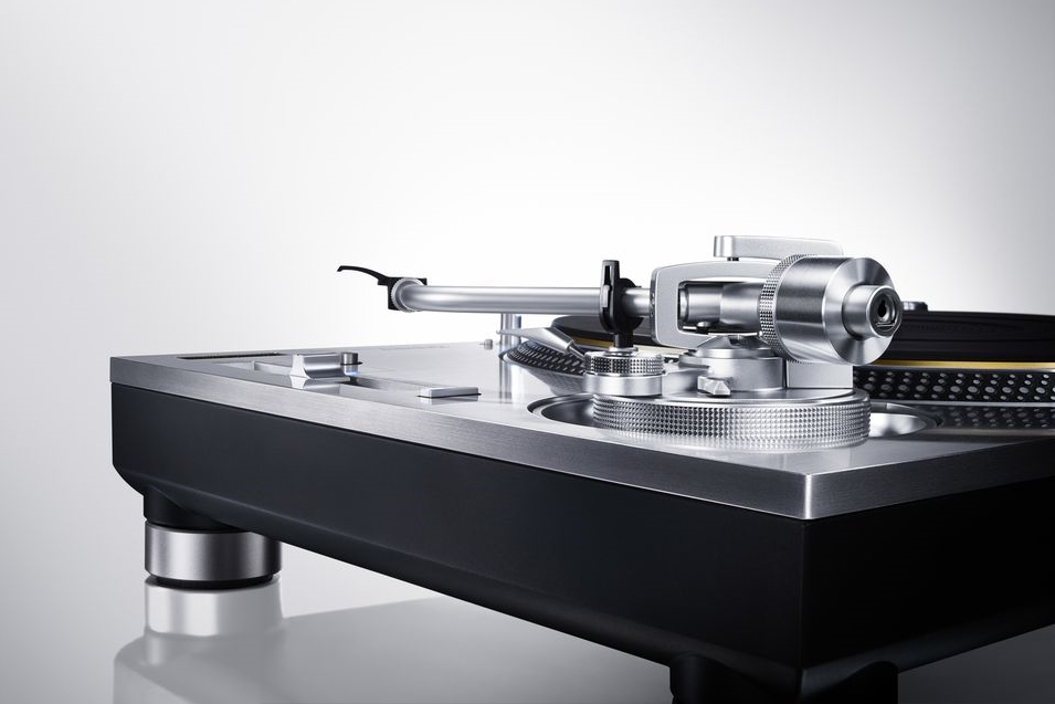 Direct_Drive_Turntable_System_SL_1200GAE_1.0.jpg
