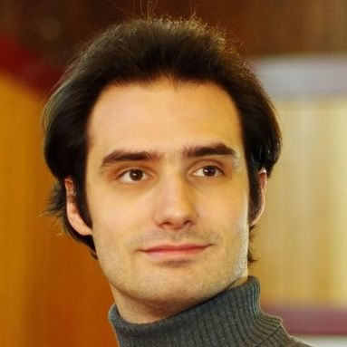 David Beales - ARTISTIC DIRECTOR OF MAPLE LEAF SCHOOL OF RUSSIAN BALLET, Bolshoi Ballet Academy TCP, Society of Russian Ballet Advanced, ARADDavid Bealesは、ロシアスタイルのクラシックバレエのスペシャリストとして国際的に認められています。カナダで最も洗練されたロシアンバレエのスペシャリストの一人であり、その学生は高い評価を得ており、様々なプログラムや国際企業で認められています。 ダンサーとしてのキャリアの中で、Davidは中国、カナダ、そしてアメリカでバレエの古典と現代の創作のソリストとして演奏しました。 彼が舞台から降りた事故から、デイビッドは北京国立アカデミー、Bolshoiバレエアカデミー、およびVaganovaバレエアカデミーのメンバーから資格を得て、Vaganova方法を専門とした。彼は、ロシアのバレエ協会(カナダ)の上級会員であり、イギリスのミドルセックス大学でダンス教育の専門実務の修士号を取得しています。