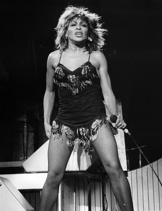 Image of Tina Turner performing. Copyright   ©   tinaturnerblog.com.