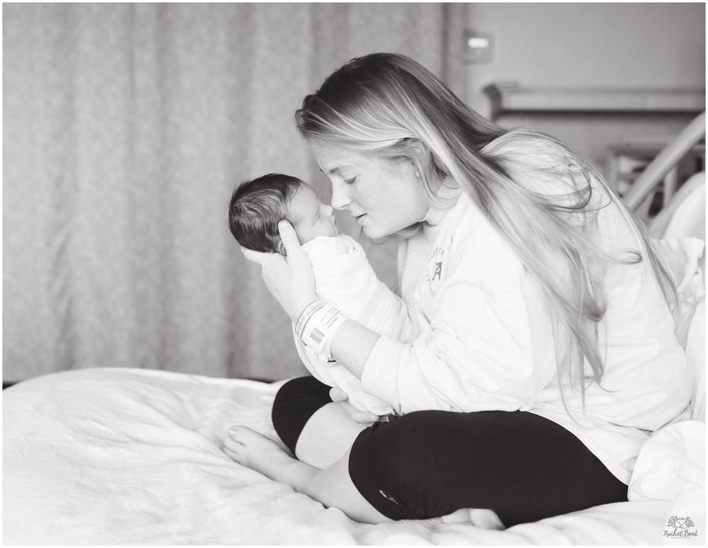 Rachel-Bond-Birmingham-AL-baby-photographer-6212bw.jpg