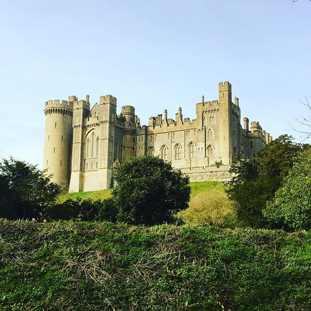 Perfect day for strolling the English countryside, happy birthday @leighchantal  love you hunnybunny!! #arundelcastle