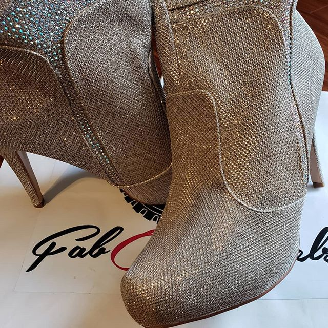Cleaning out our closet swipe to see more! Brand new SPARKLE NUDE! Size 11 booties that shimmer their way into a room. Iridescent accents dance through the shimmery man made material like your personality. Zipper along the side make them easy to slip on and off. $29.99 + shipping. We'Cleaning out our closet swipe to see more! SPARKLE NUDE! Size 11 booties that shimmer their way into a room. Iridescent accents dance through the shimmery man made material like your personality. Zipper along the side make them easy to slip on and off. $29.99 + shipping. We're more than shoes we're a lifestyle. #stayfabulous! . . . #shoelove #heels #stiletto #shoegasm #shoecloset #shoegamestrong #shoefashion #fabonwheels #higheels #shoes👠 #shoestyllist #ioveshoes #shoeaddiction #shoeaddicts #shoesale #shoestore #clearance #shoeshopping #size11