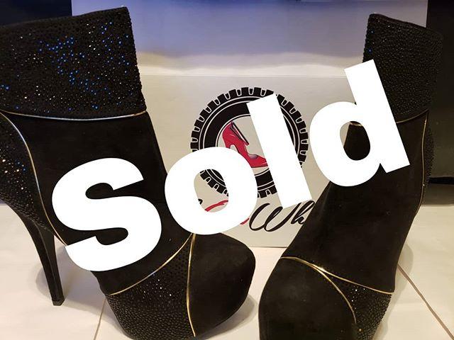 !!!!!!!!!SOLD!!!!!!!!!!!!!!!!!! THANK YOU! . . . #shoelove #heels #stiletto #shoegasm #shoecloset #shoegamestrong #shoefashion #fabonwheels #higheels #shoes👠 #shoestyllist #ioveshoes #shoeaddiction #shoeaddicts #shoesale #shoestore #clearance #shoeshopping #size11