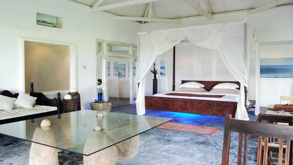 Morabito-Art-Villa---Majapahit-Suite1.jpg