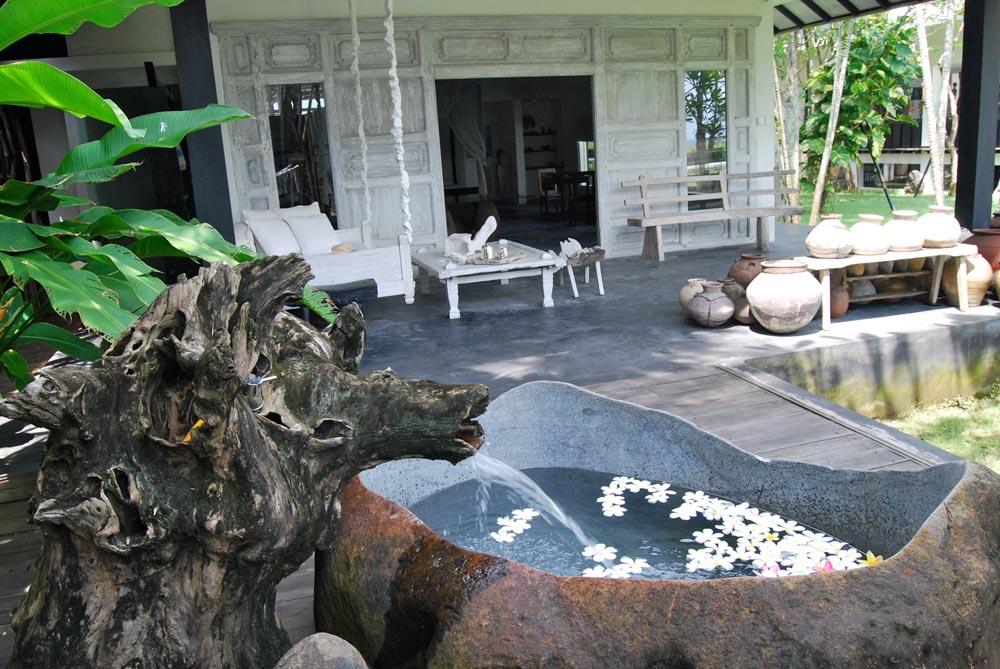 Morabito-Art-Villa---Majapahit-Suite3.jpg