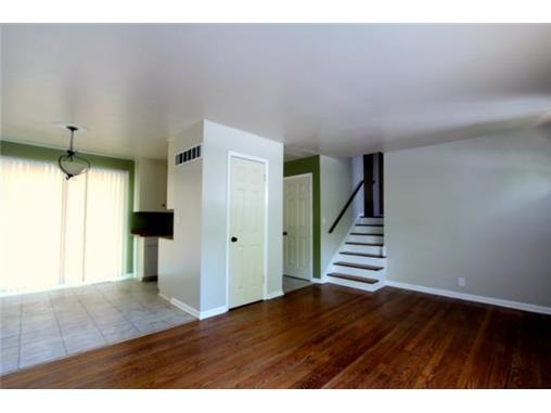 before_livingroom.jpg