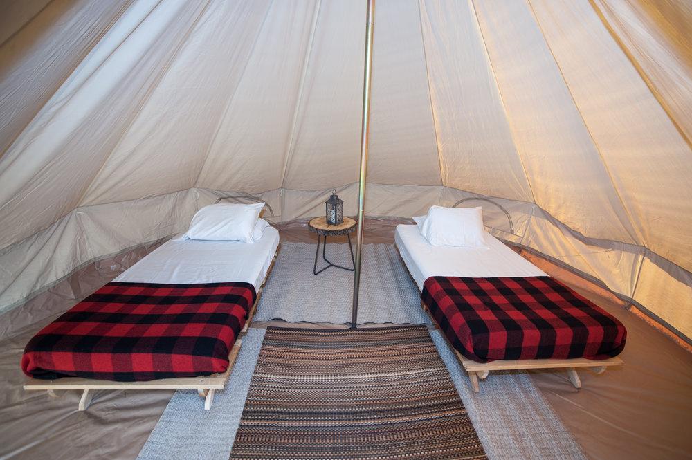 Peach17_Close-Twin-beds-bedside-table-light-rug.jpg