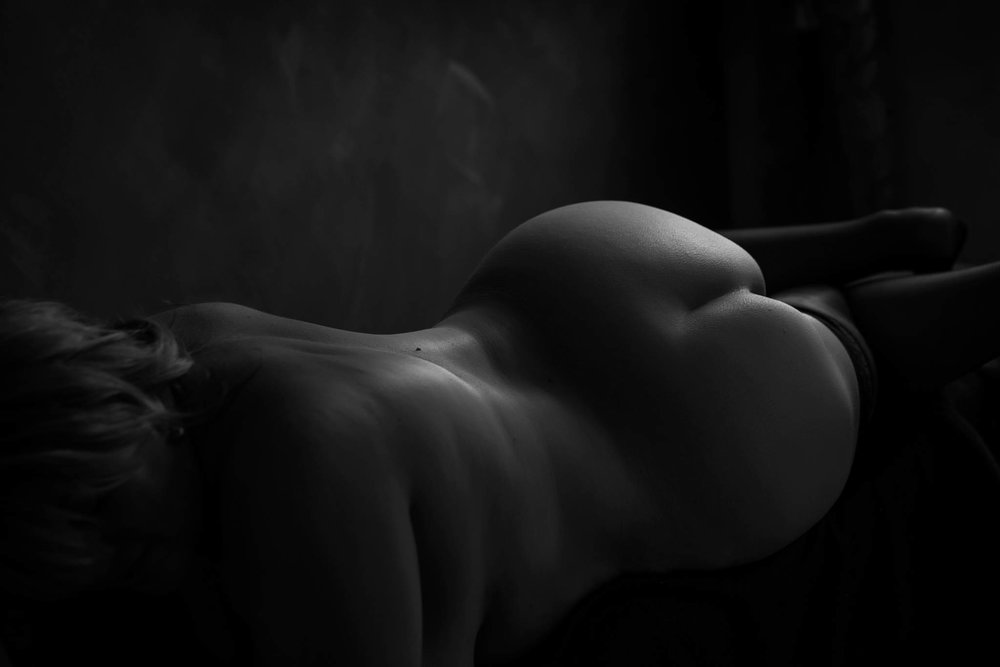 nude boudoir photography