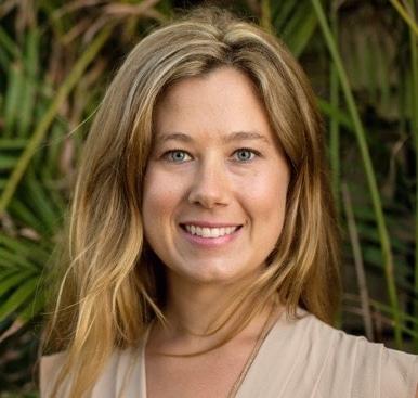 Meredith_biz_card_headshot.jpg