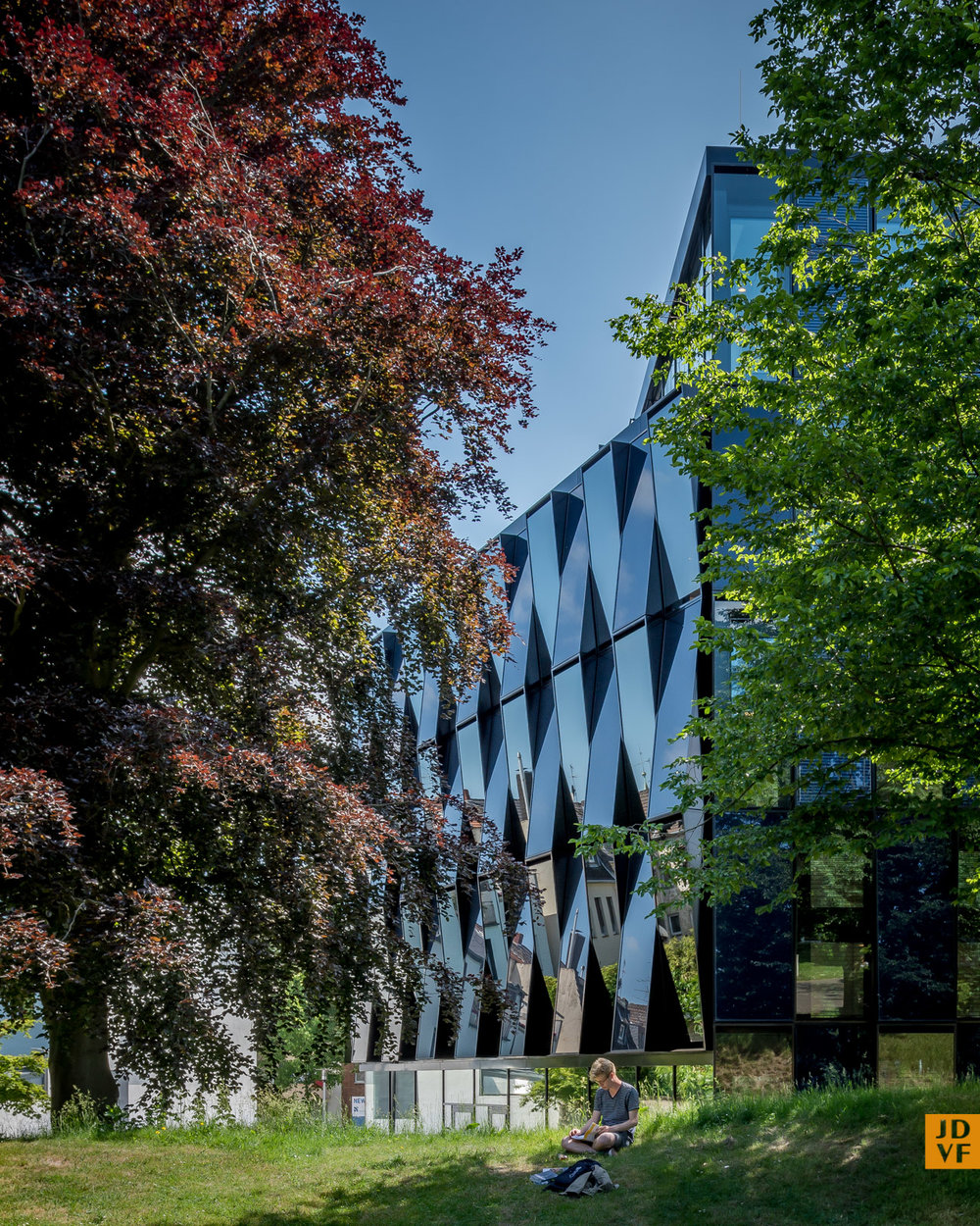 NEW-Blauhaus Mönchengladbach  design: kadawittfeldarchitektur  commissioned: BPD