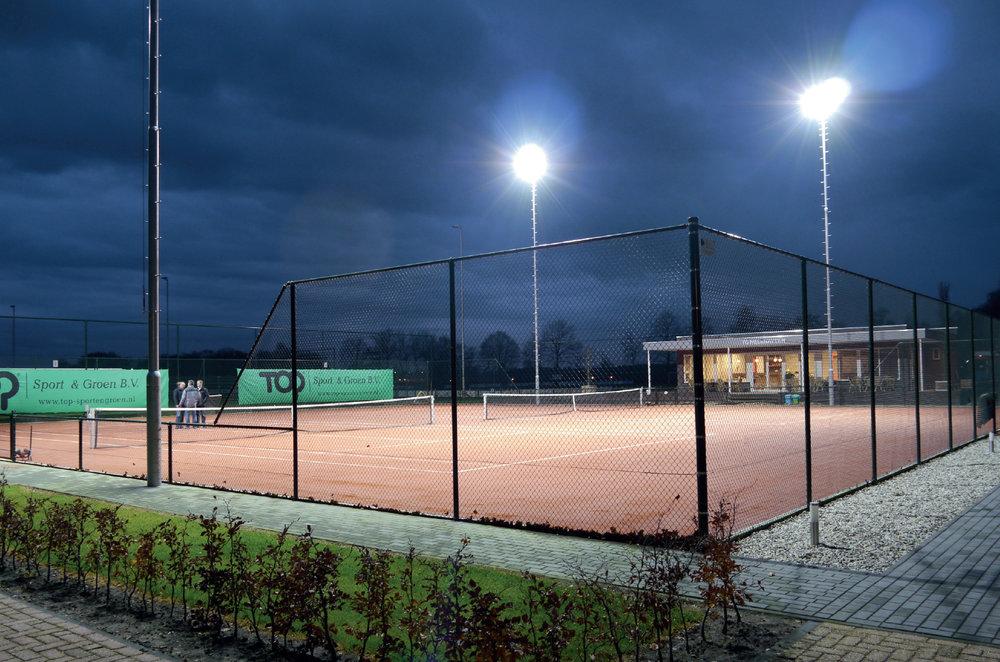 Groen Led Licht : Fallstudie tennis u svea lighting led lichttechnik und lichtplanung