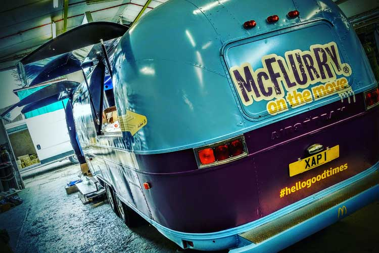 2016_mcflurry_bus_business_04.jpg