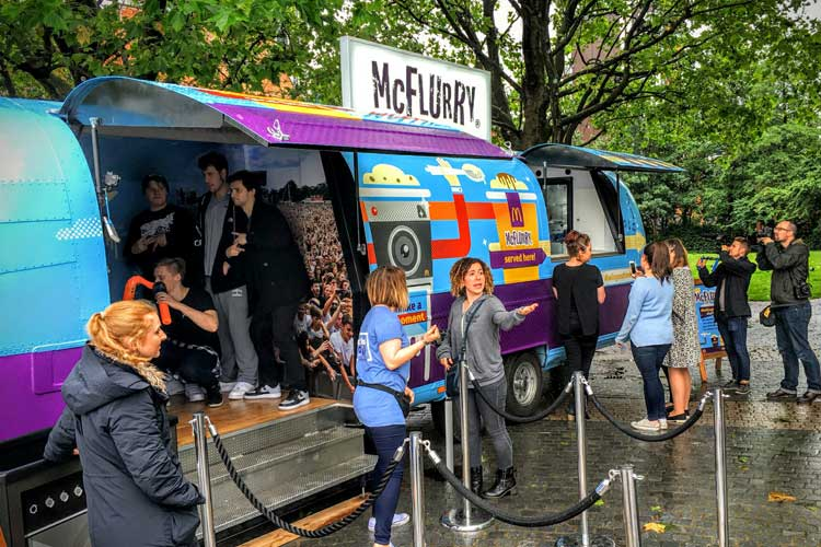 2016_mcflurry_bus_business_07.jpg