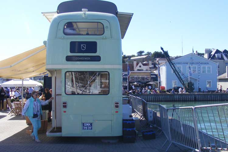 2016_bus_business_cowes_04.jpg