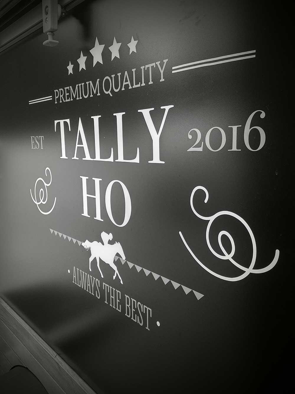 tally-ho_06.jpg