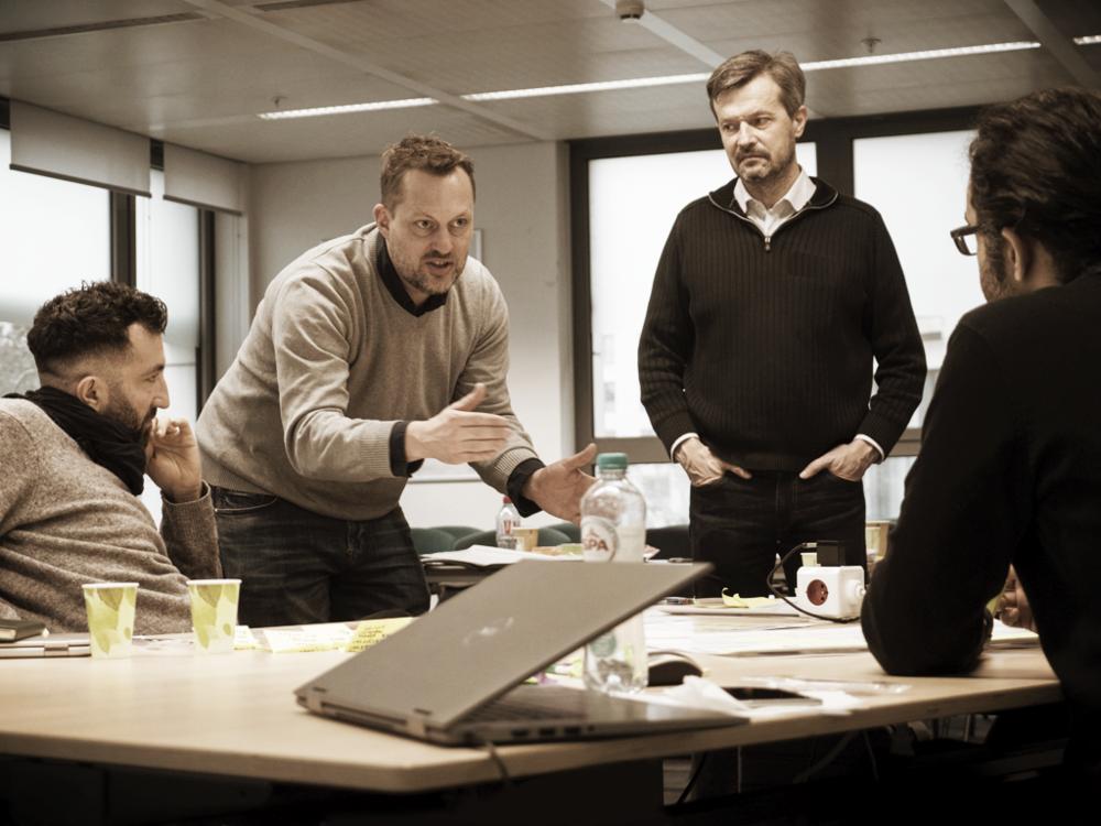 Coaching - We leveren ook na onze sprints nog support aan jullie management team, bij de implementatie en het kick-starten van jullie nieuwe exponentiële business model.
