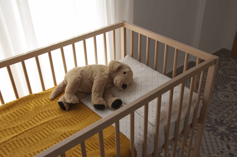baby crib at Zalamera B&B in Valencia, Spain.jpg