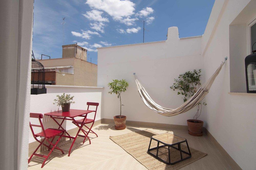 Roof terrace of penthouse at Zalamera B&B in Valencia, Spain.jpg