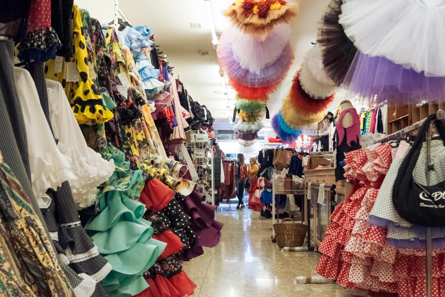 Menke dance shop Valencia.jpg
