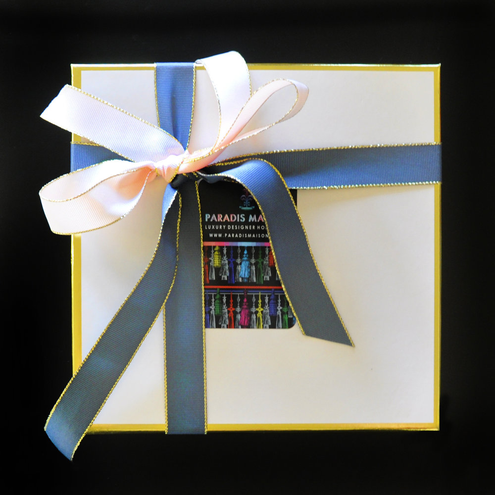 GIFTWRAPPING_PARADISMAISON_LIGHT.jpg