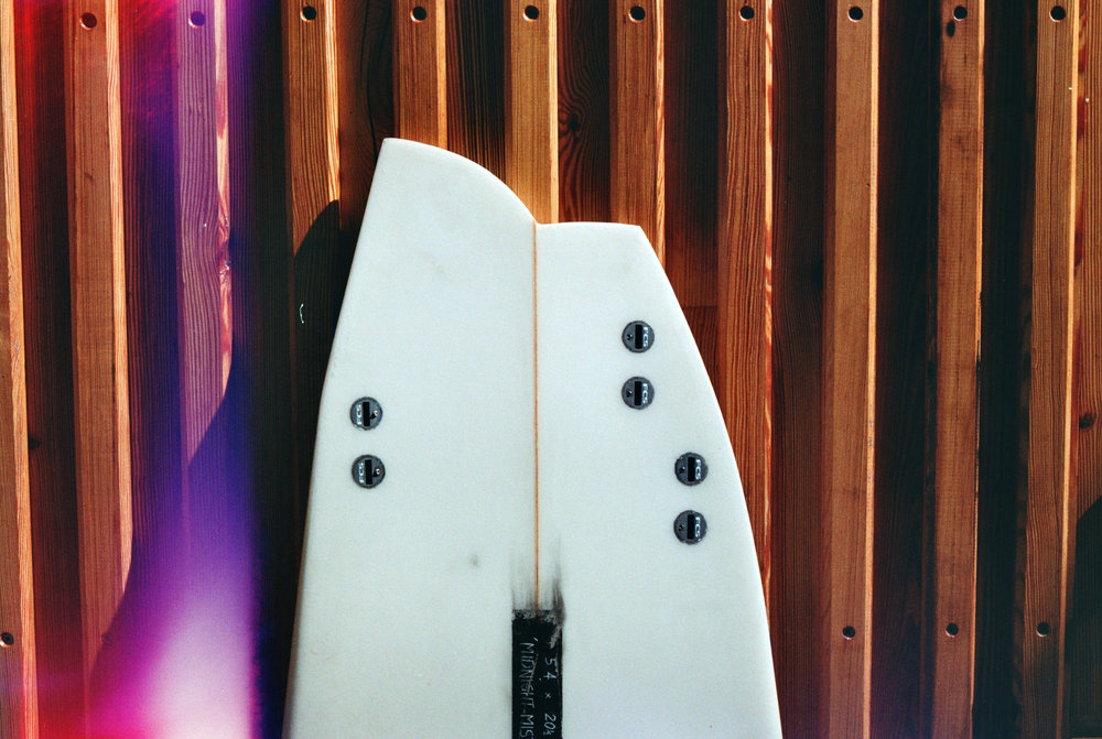 05 Asymmtric Surfboard tail Large .jpg