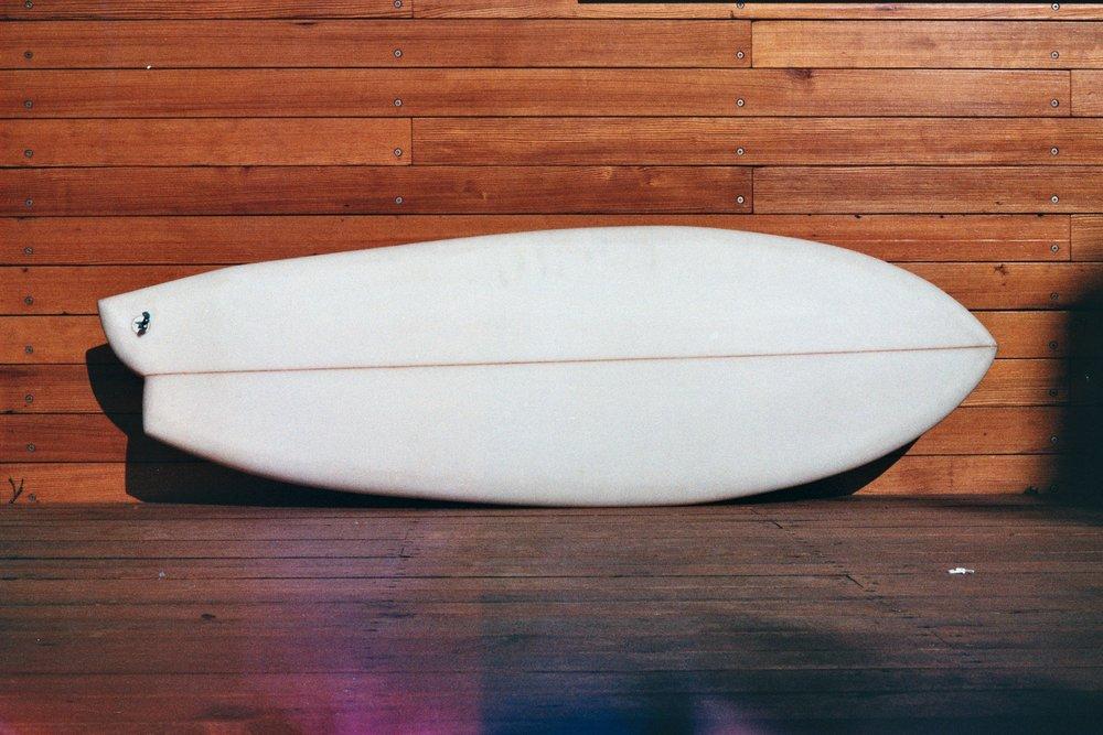 Asymmetric // Experimental Surfboard Design -