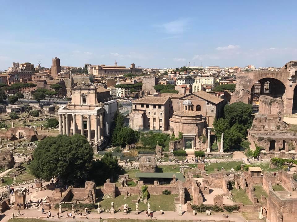 Rome ruins.jpg