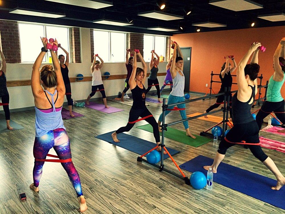 hot-yoga-barre-richmond-junior-league-fundraiser-class