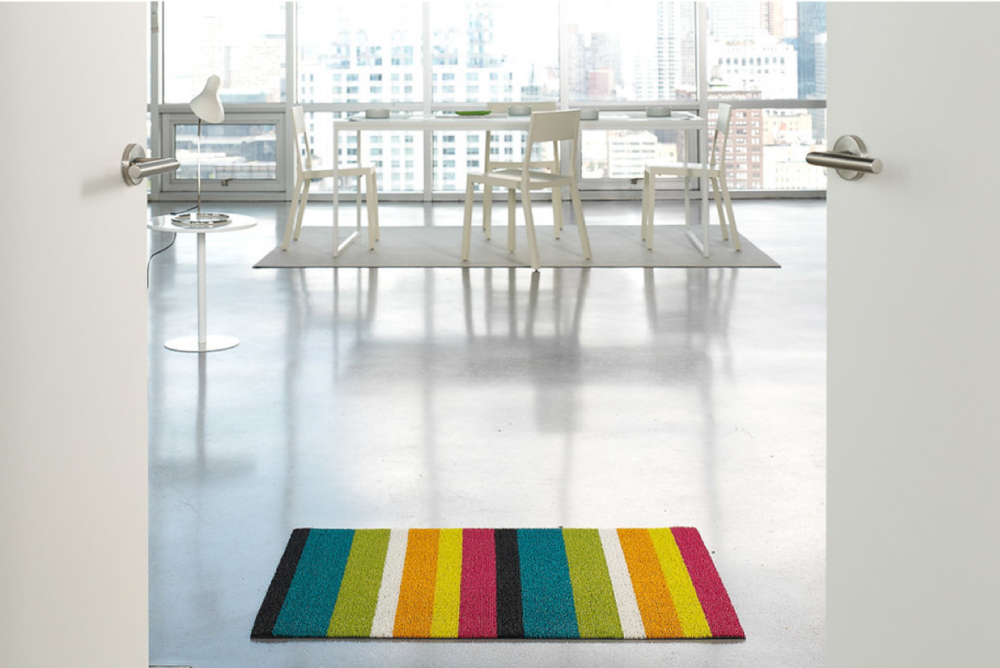 We love these Chilewich shag mats in a major way. They're spectacular inside and out and are mega easy to clean. Get 'em   here