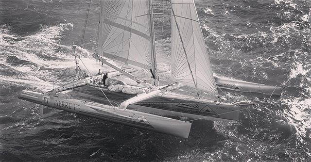 In 1994 @lagooncatamarans naval architects VPLP designed the racing trimaran made famous in the movie Waterworld starring Kevin Costner. Two 60-foot trimarans were built at Jeanneau's racing division; the first one a conventional trimaran capable of speeds in excess of 30 knots and a second yacht with unconventional features which allowed it to transform for certain scenes in the movie. Their sister ship, the Pierre 1er, won numerous events during the 90s including the fastest solo Atlantic crossing in 1990 (Florence Arthaud). #lagooncatamarans