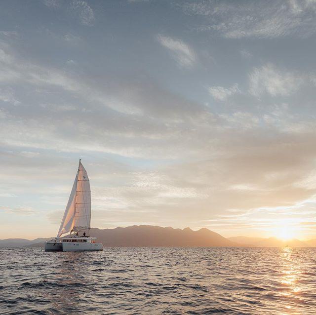 Sunset breeze ⛵️ #saltyleisure #lagooncatamaran #visitgreece