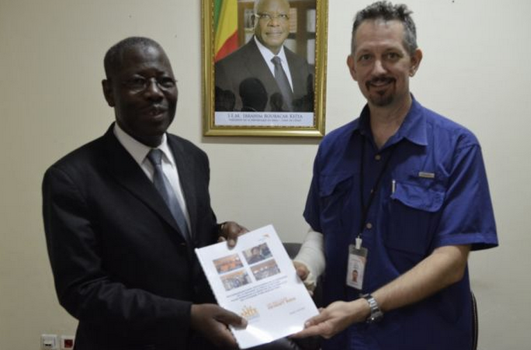 Mali Citizen Hearing outcomes were handed to the Minister of Health Hon. Ousmane Koné
