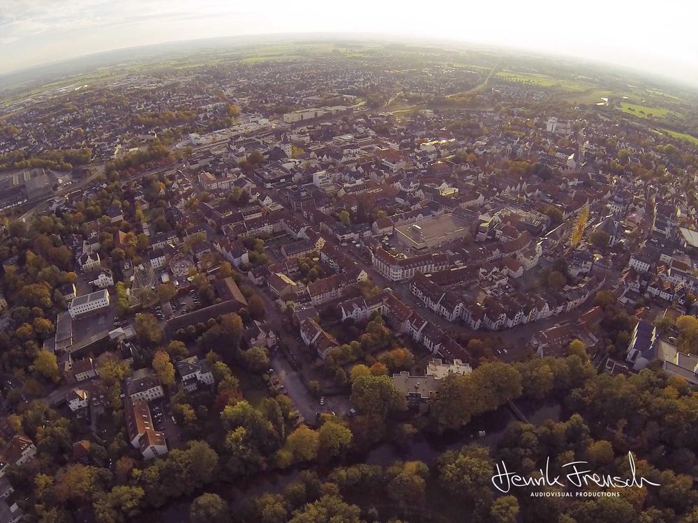 Ein Luftbild meiner Heimatstadt Lippstadt während der alljährlichen Herbstwoche.  An aerial photography of my hometown Lippstadt I took during the annual fair.