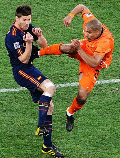 THIS IS SIMON BORG AND THAT'S A CLEAN TACKLE