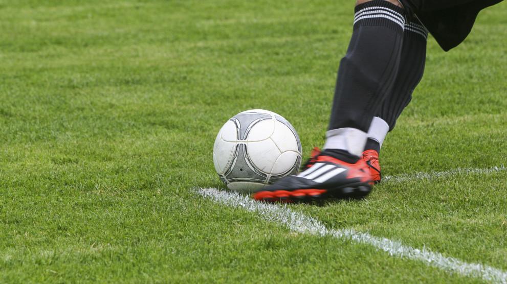 Adult-Soccer-Leagues-991x556.jpg