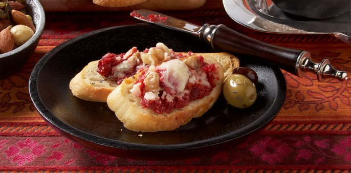 Beet+&+Blue+Cheese+Spread+with+Garlic+Crostini.jpg