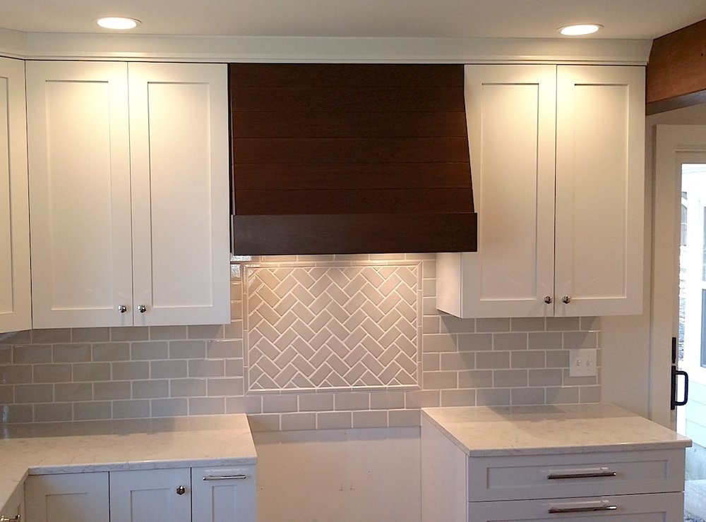 walnut-hood-tile-installation-kitchen-remodel-ann-arbor-mi
