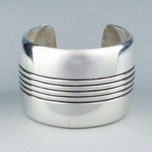 Cippy Crazy Horse - Linear Silver Bracelet $650