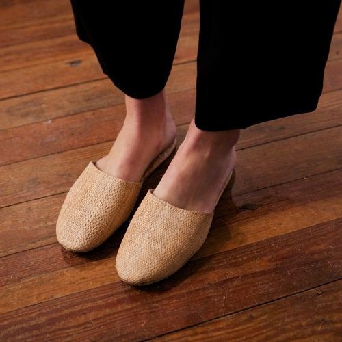 Natural Raffia Slippers