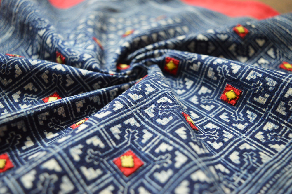 Batik Black Hmong with Red