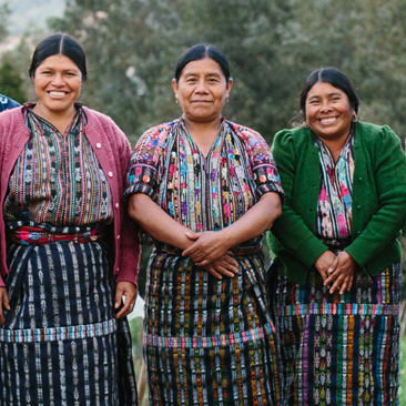 maya traditions foundation - Accessories, home decor and traditional textiles handwoven by indigenous Maya women,connected by the Foundation to national and international markets committed to Fair Trade Principles.Based and produced in GuatemalaShips to see Stockists