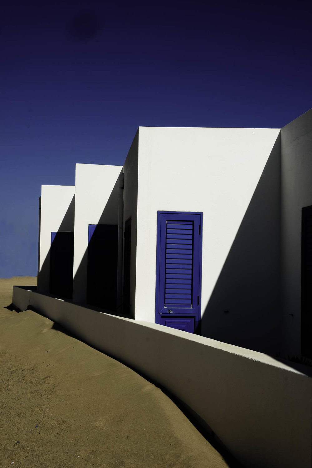 Blue doors - La Graciosa - The Canneries