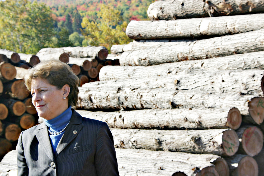 Sen. Jeanne Shaheen campaigns in the North Country, 2014