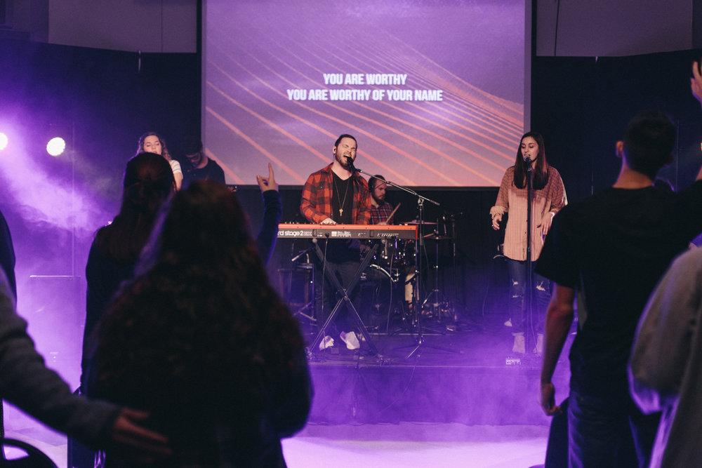 grant harbin leading college worship