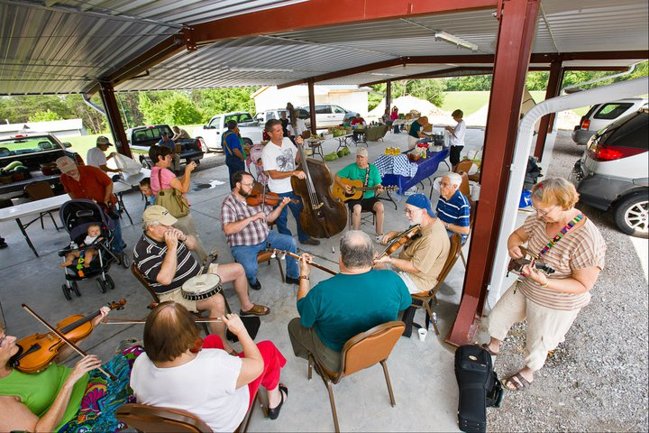 Music at the Whitley County Farmers Market in Kentucky. Photo credit: Whitley County Farmers Market