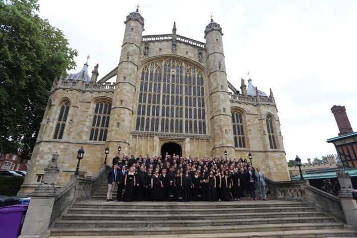The whole KS Summer School UK 2017 Family - Photo by Roy Long Hei lim (St. George's Chaple, Windsor Castle)