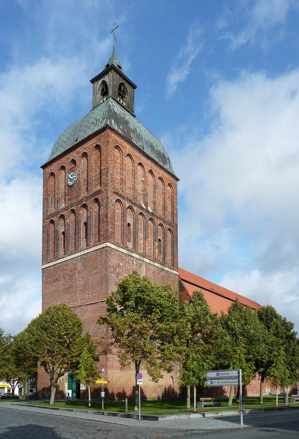 Ribnitz-Damgarten_Marienkirche_(01).jpg
